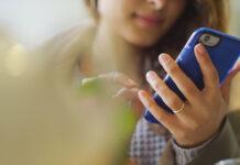 Bankowe aplikacje na smartfony - dlaczego warto z nich korzystać?